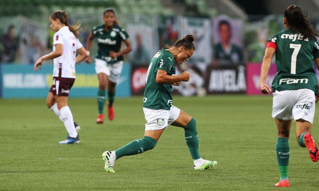 Palmeiras bate a Ferroviária e larga na frente nas quartas de final do Brasileiro A1