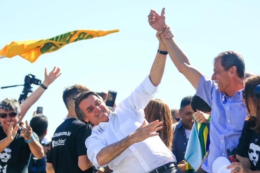 Paulo Chagas ao lado do presidente Jair Bolsonaro