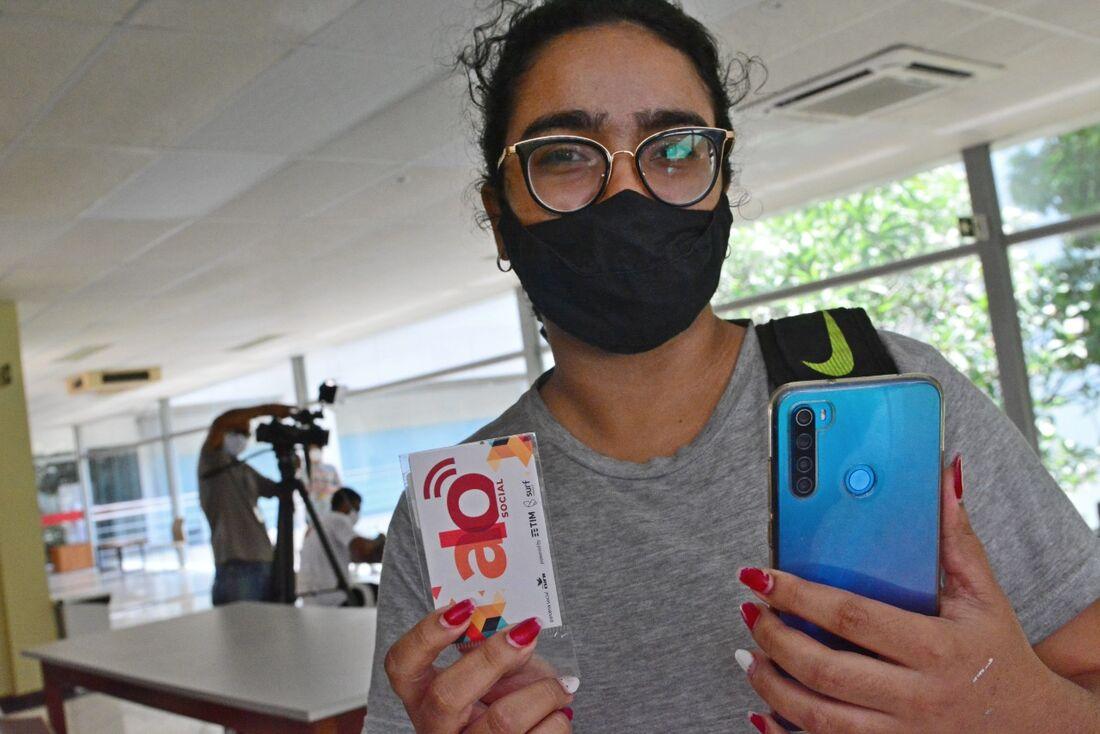 Beatriz Amorim ressaltou a importância do chip nesta época de aulas remotas