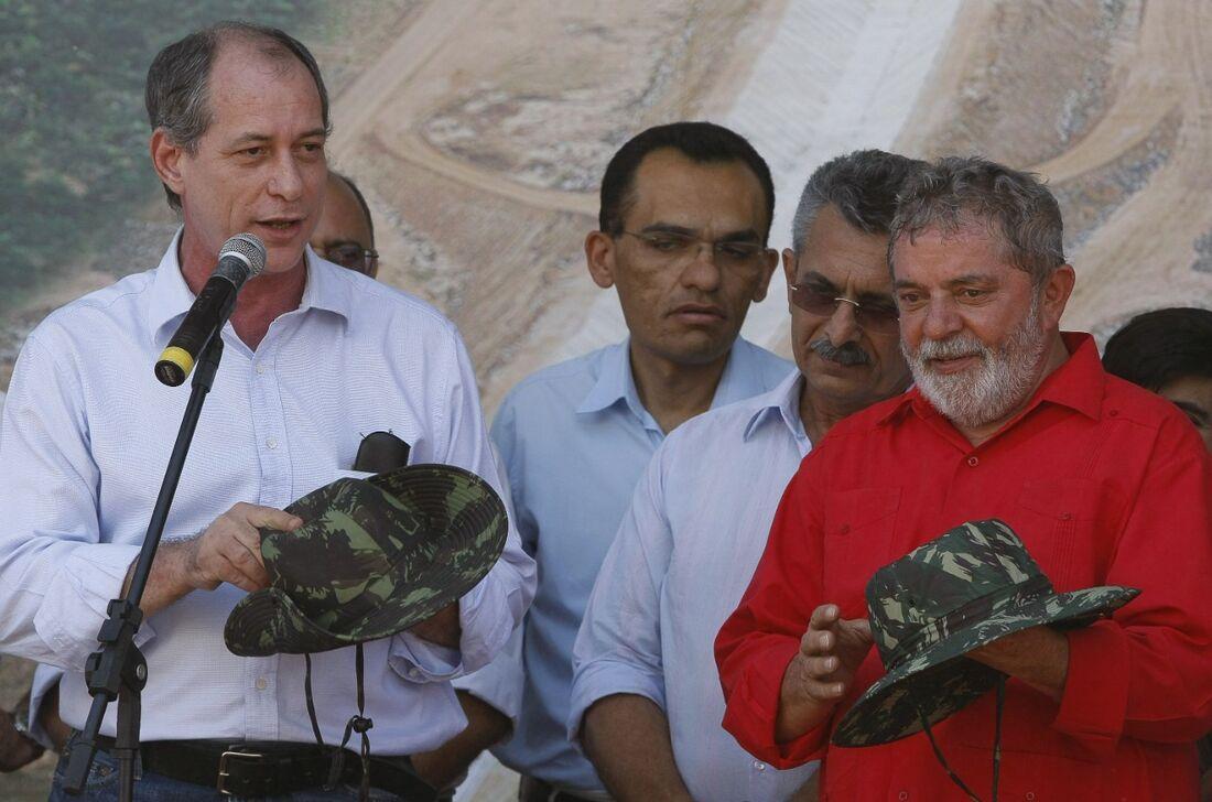 Ciro Gomes e Luiz Inácio Lula da Silva em Cabrobó (PE), em 2009