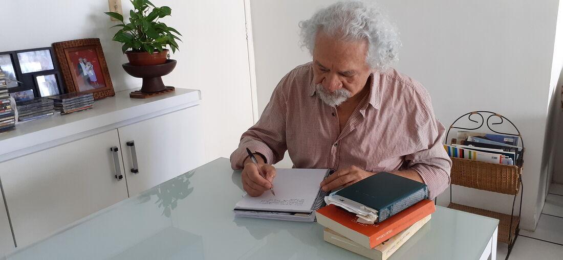 Wilson Araújo, poeta