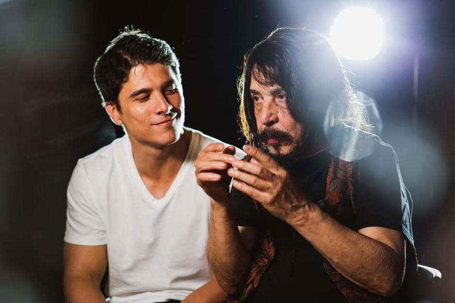 Benito di Paula e seu filho Rodrigo Vellozo são destaques nas lives da semana