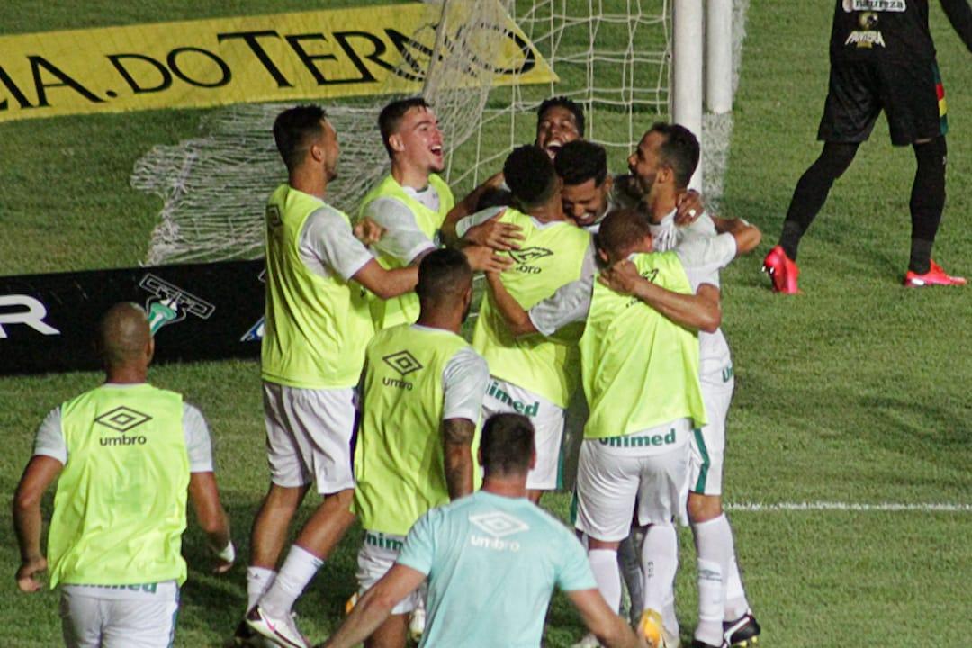 Chapecoense venceu por 3 a 1