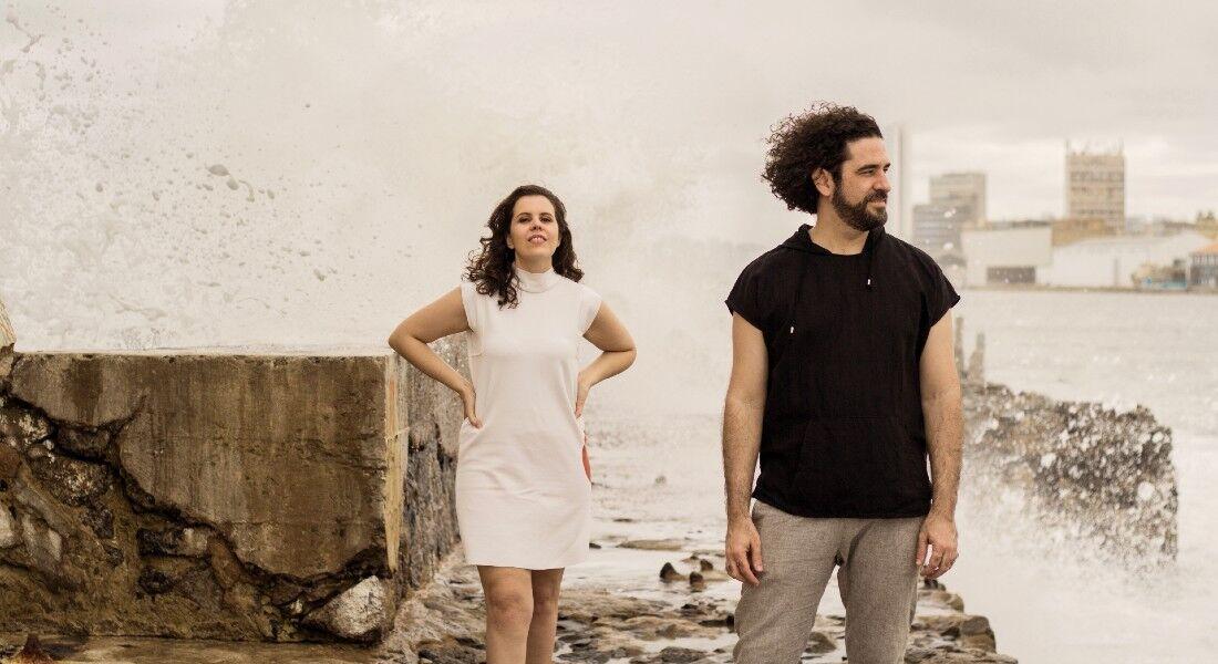 Duo Sargaço Nightclub é formado por Marcelo Rêgo e Sofia França