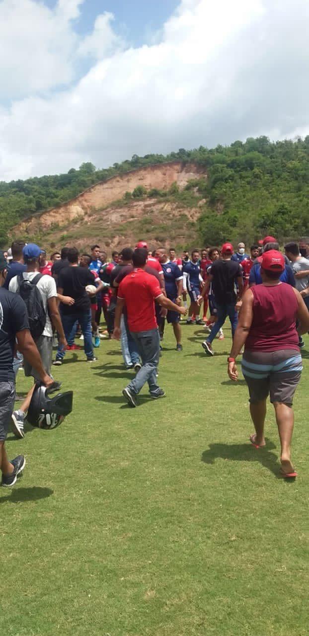 Invasão de torcedores do Náutico ao CT Wilson Campos