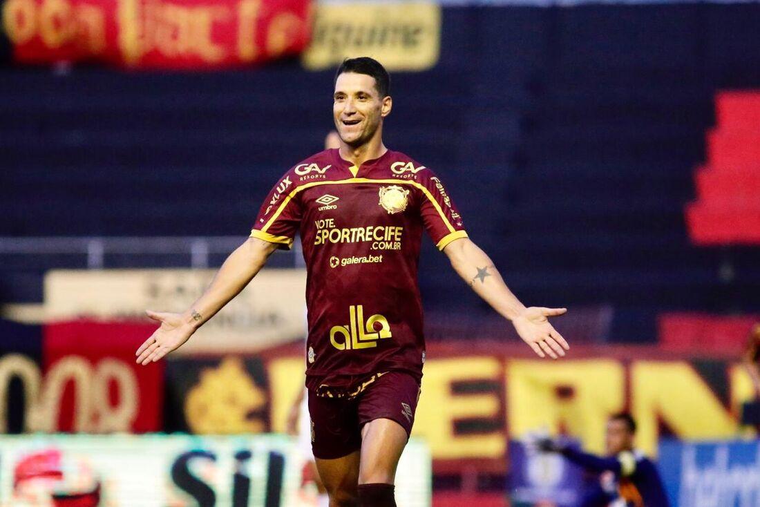 Thiago Neves, meia do Sport