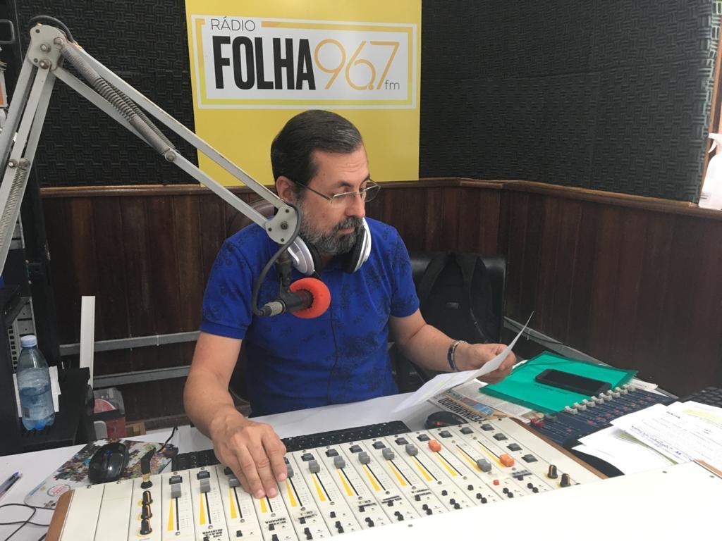Apresentador Jota Batista da Rádio Folha FM