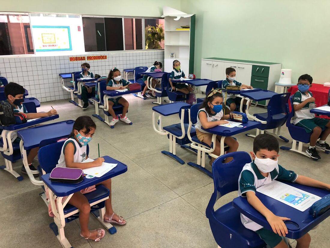 Colégio Dom, em Olinda, adotou as medidas recomendadas pelo Governo Estadual