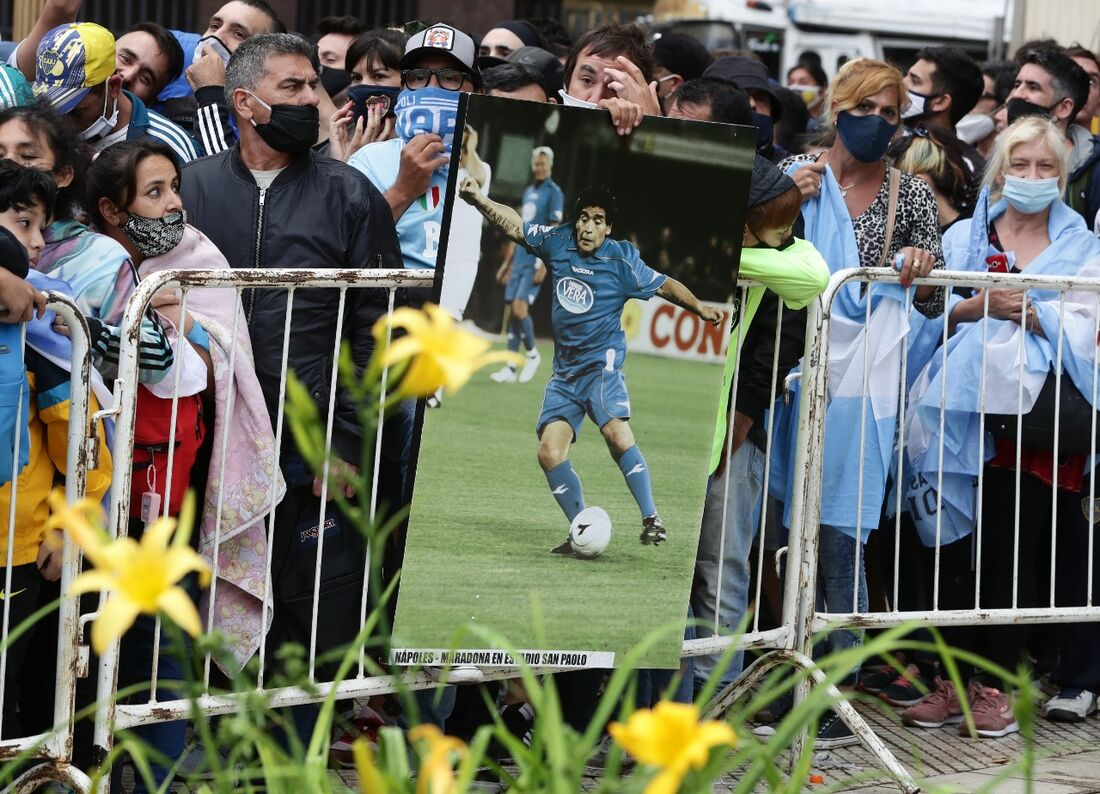 Admiradores no velório de Maradona, em frente à Casa Rosada