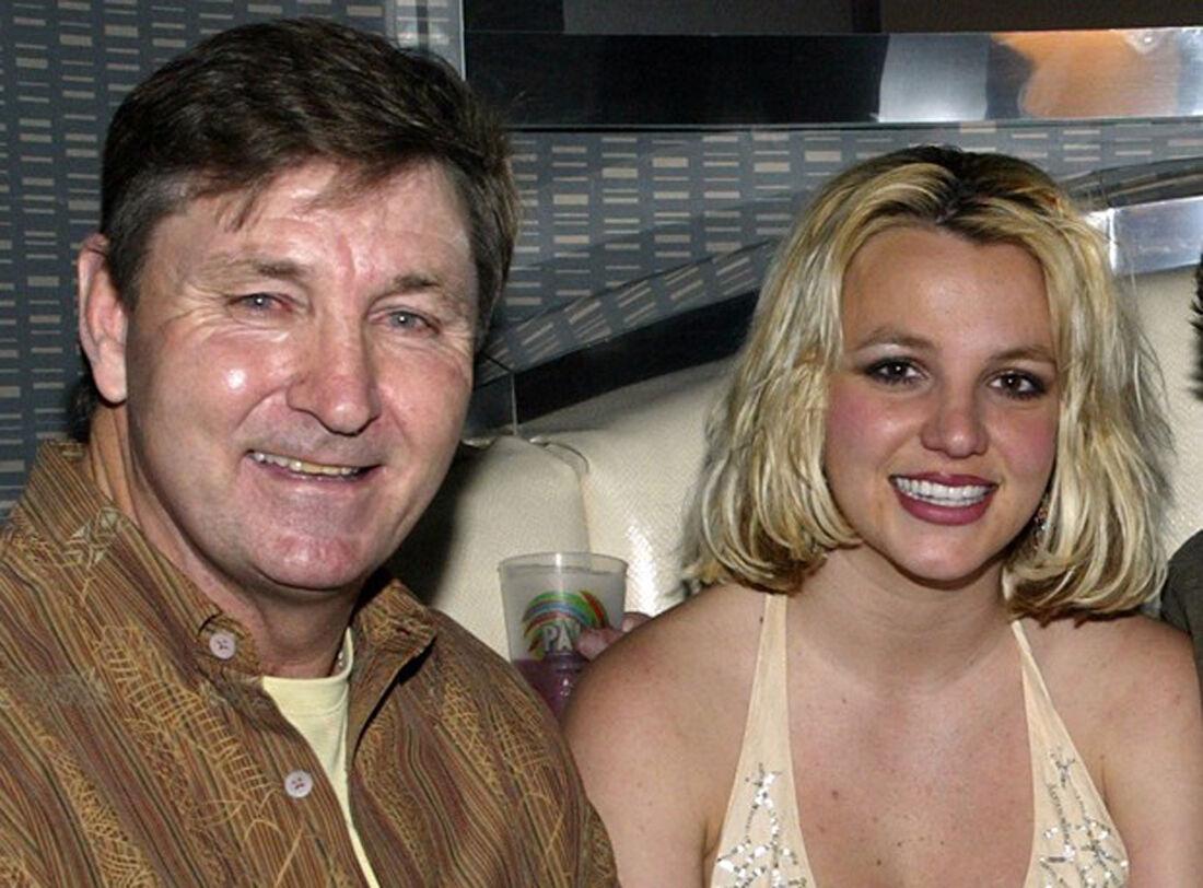 Britney Spears permanecerá sob tutela do pai até setembro de 2021 - Folha PE