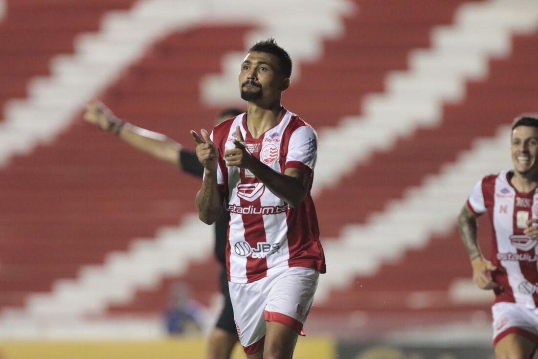 Kieza comemora golaço que ampliou placar contra o Guarani