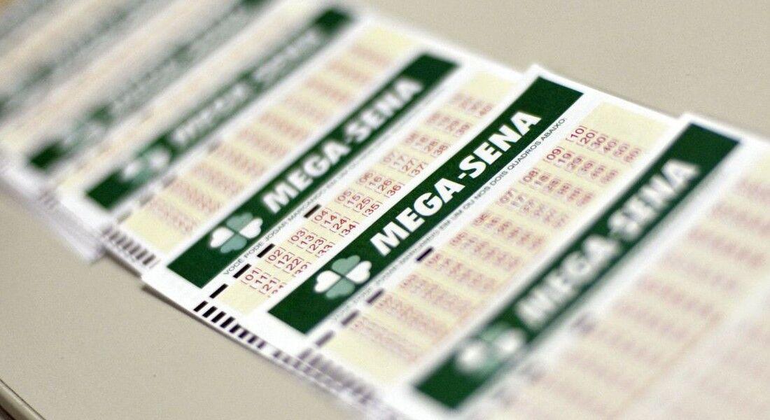 O valor de uma aposta simples, com seis números, é de R$ 4,50