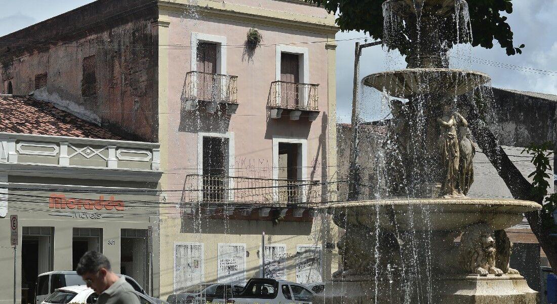 Clarice viveu em imóvel perto da Praça Maciel Pinheiro