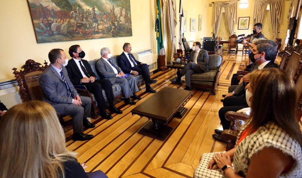 Reunião com o embaixador da Argentina