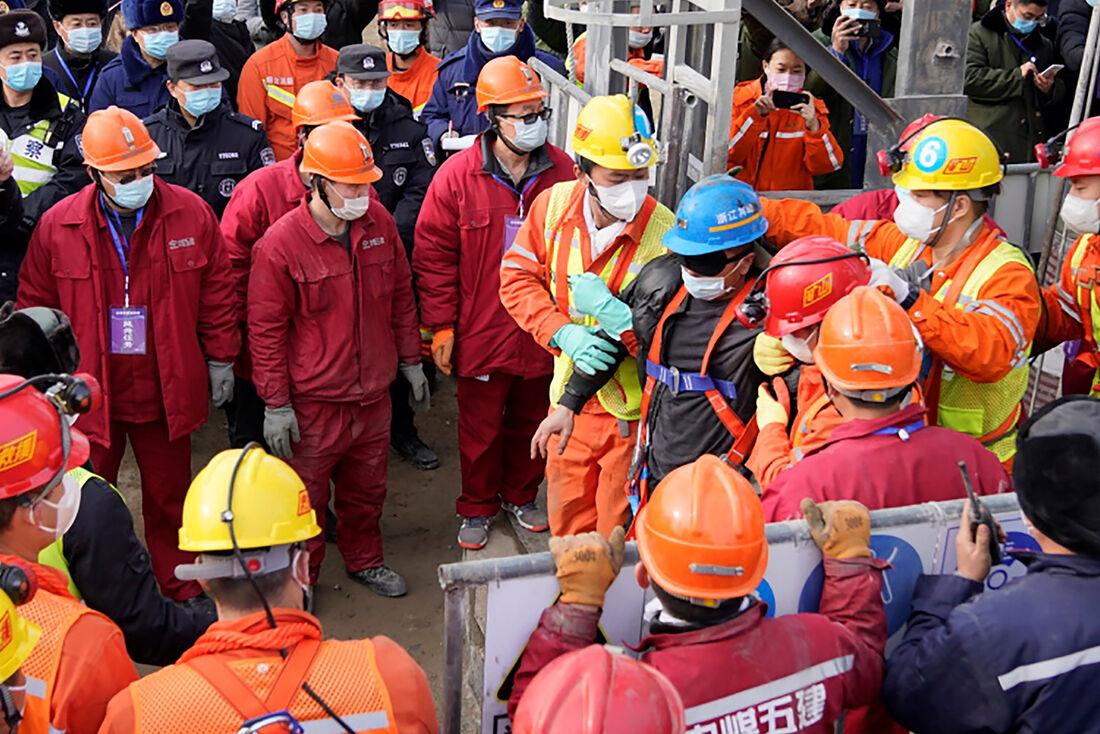 11 mineiros foram resgatados gerando comoção na China