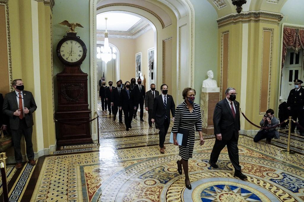 Senado americano recebe processo de impeachment de Trump