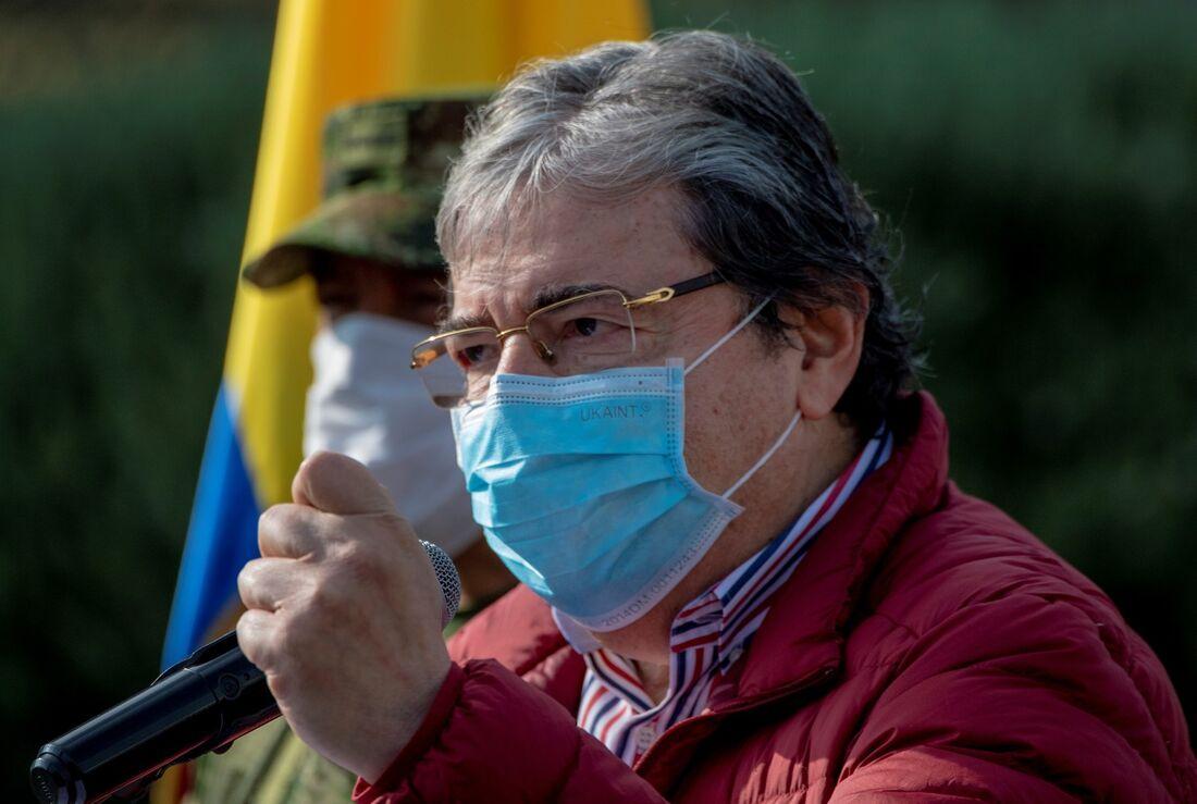 Ministro da Defesa da Colombia, Carlos Holmes Trujillo, faleceu nesta terça-feira (26)
