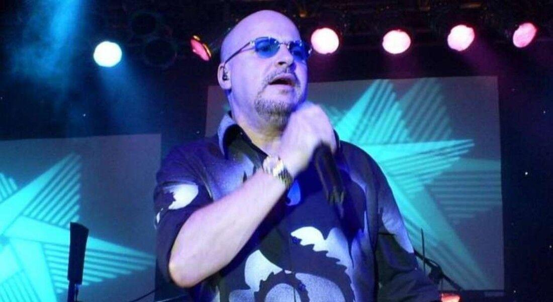 Cantor Paulo César Santos, o Paulinho, vocalista do grupo Roupa Nova
