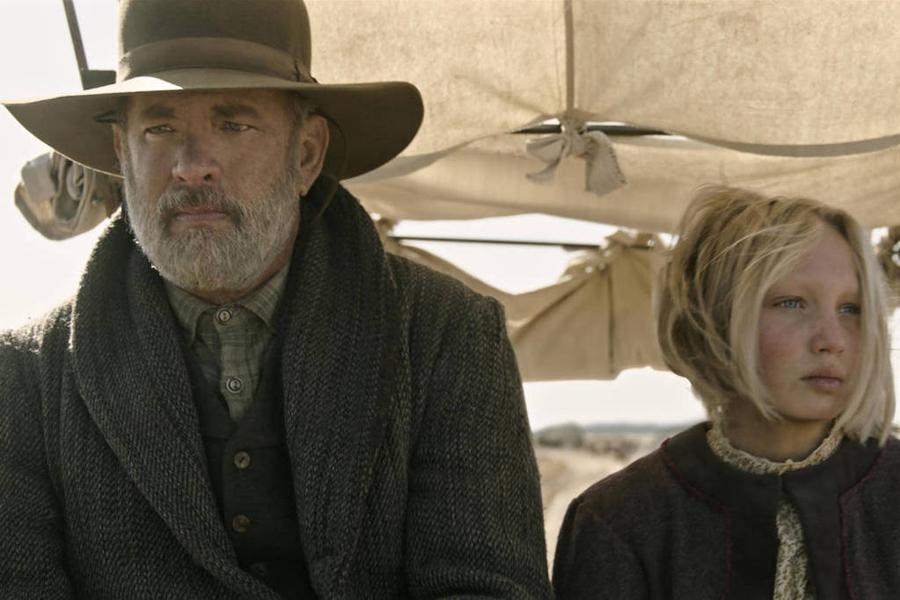 Os personagens Jefferson Kyle Kidd (Tom Hanks) e Johanna Leonberger (Helena Zengel) em 'Relatos do Mundo'