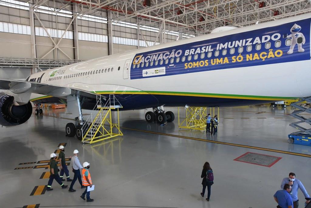 Avião da Azul que vai buscar vacinas na Índia