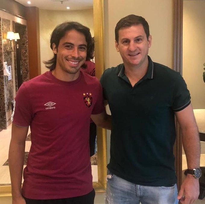 Fumagalli encontrou o elenco rubro-negro na tarde desta quinta-feira, no hotel onde o clube está concentrado para a partida contra o Corinthians