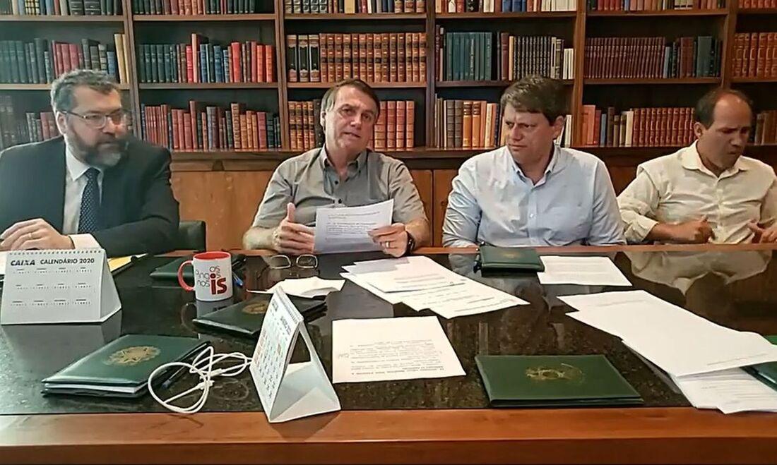 Bolsonaro durante live nas quintas-feiras