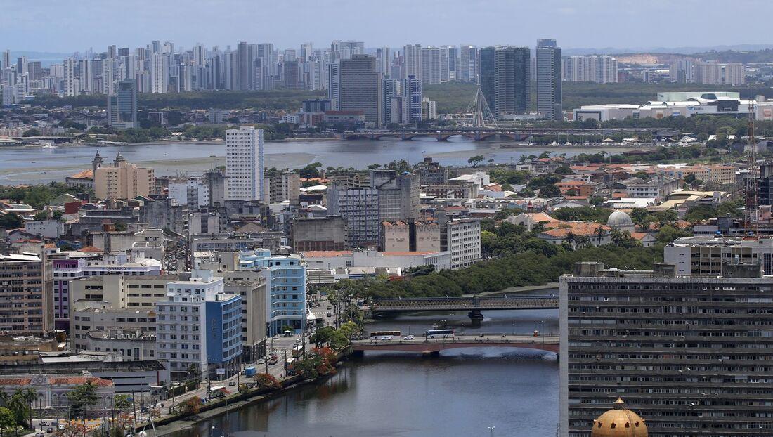 Recife, primeiro epicentro da Covid-19 em Pernambuco, vive novo momento delicado