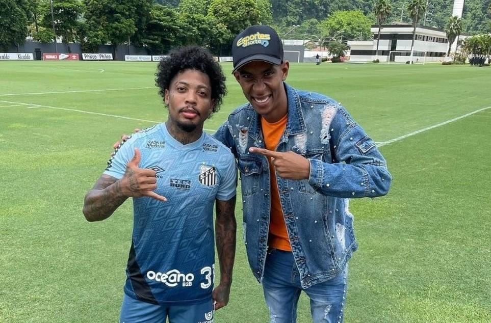 Ney Silva publicou fotos com os jogadores Marinho e Kaio Jorge, e após repercussão, apagou as publicações