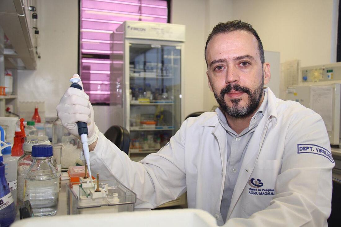 Pesquisador da Fiocruz Pernambuco e doutor em biologia molecular, Rafael Dhália