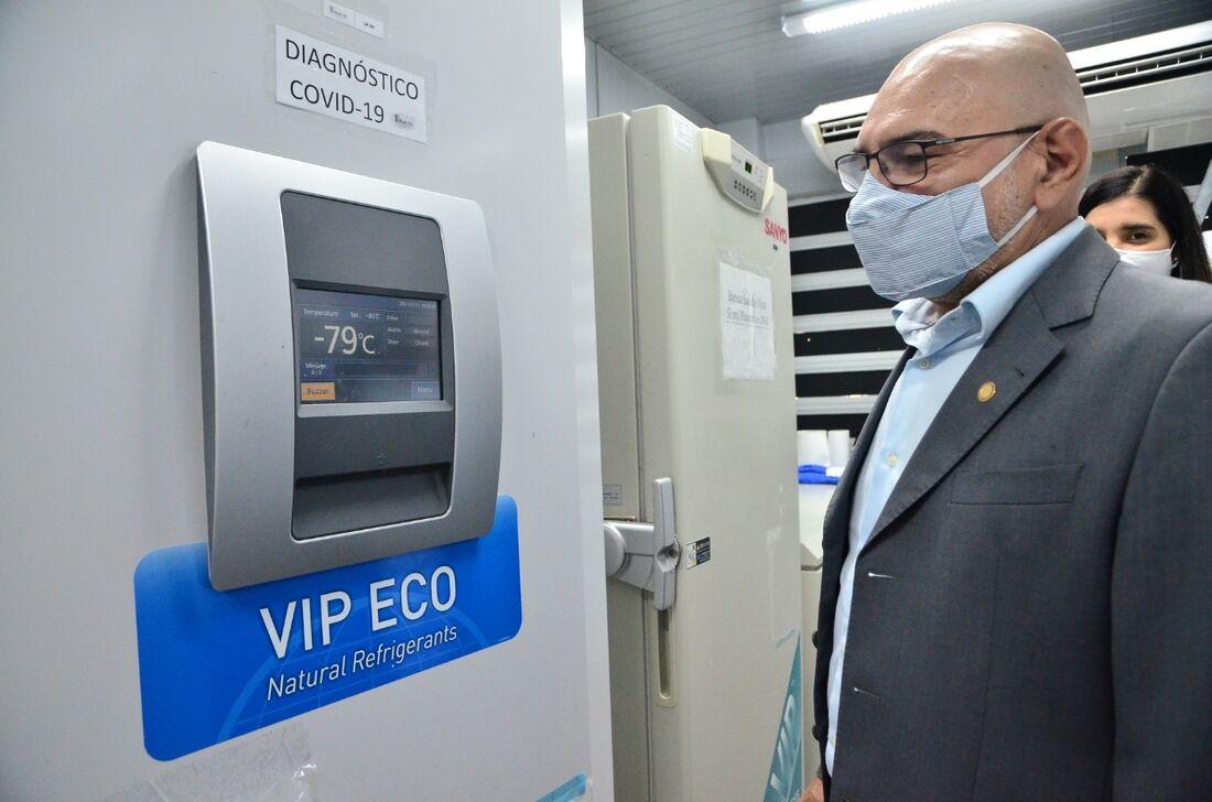 Reitor espera receber doses das vacinas