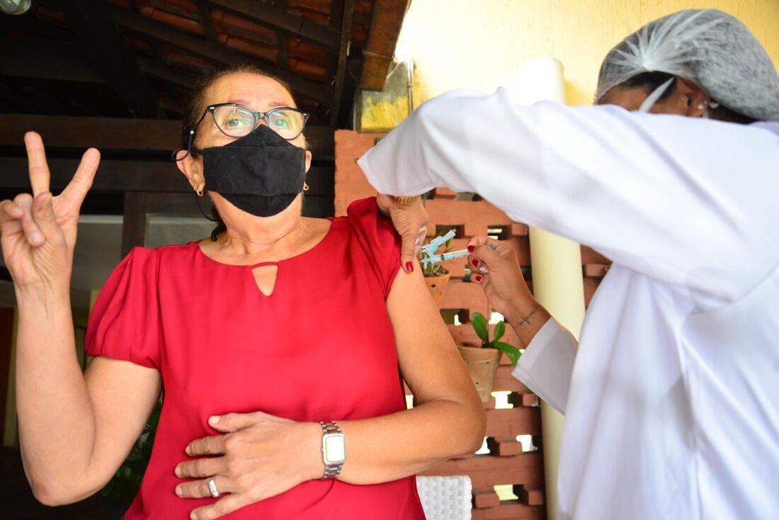 O vacinômetro vai mostrar andamento do plano de vacinação no Recife