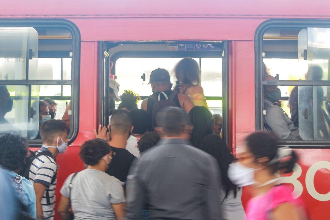 Ônibus do TI Joana Bezerra
