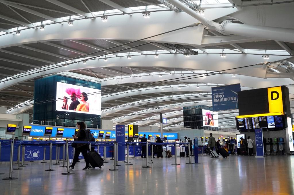 Terminal do Aeroporto de Heathrow, em Londres