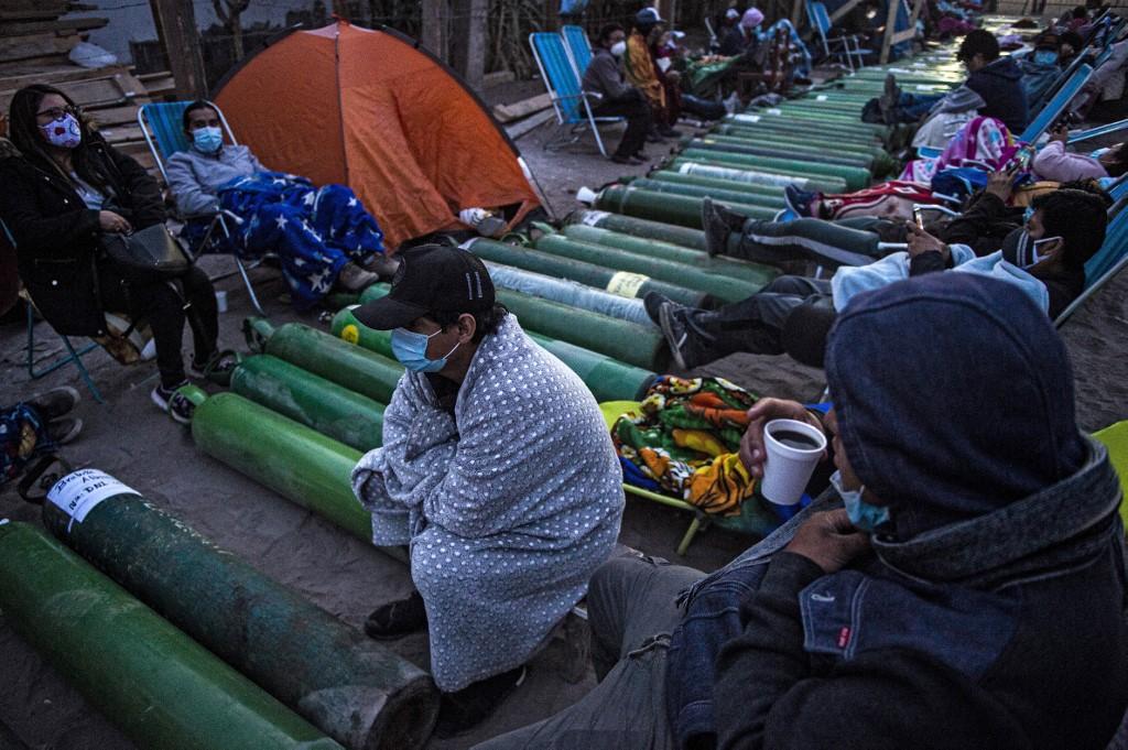 Oxigênio no Peru em falta provoca colapso no sistema de saúde