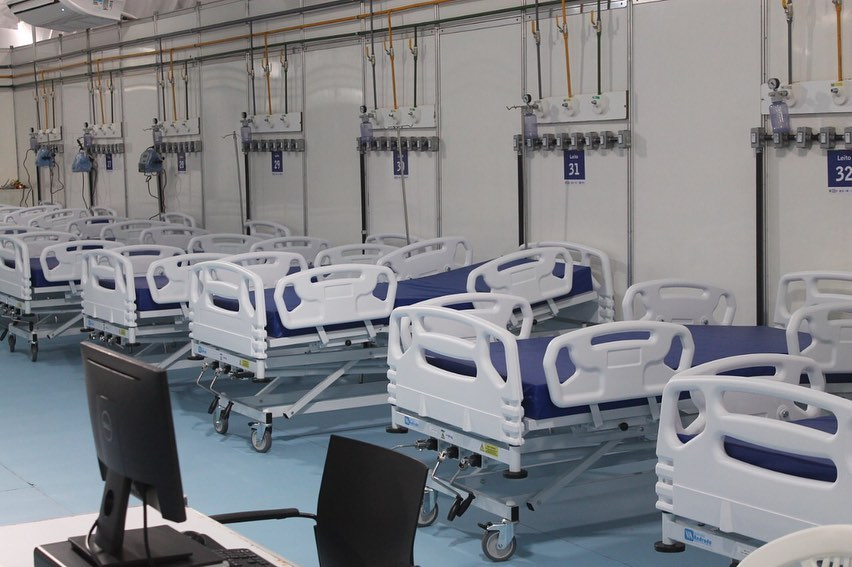 Leitos do Hospital Mestre Vitalino, em Caruaru