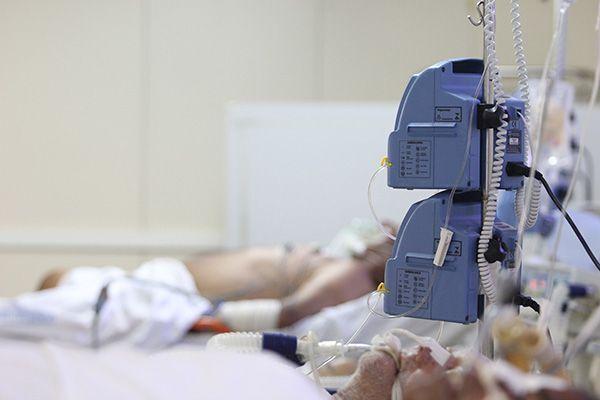Em junho do ano passado, 363 pessoas estavam internadas em leitos de UTI, hoje são 416 pacientes