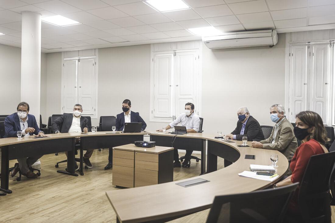Reunião que formalizou a parceria entre Governo e UPE