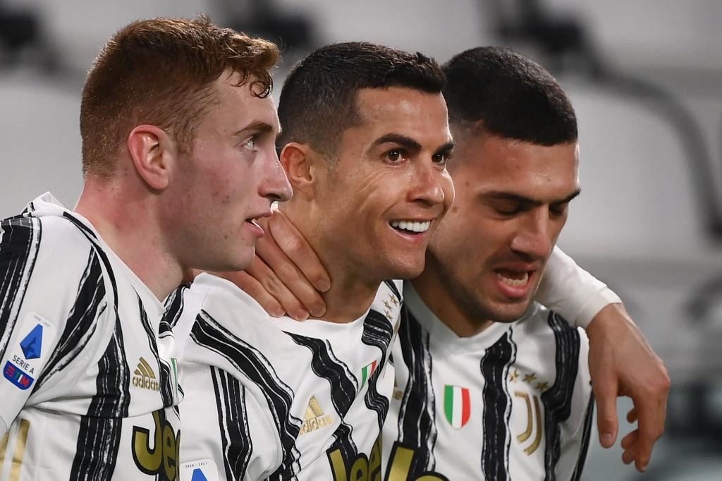 Cristiano Ronaldo fez dois gols ante o Crotone