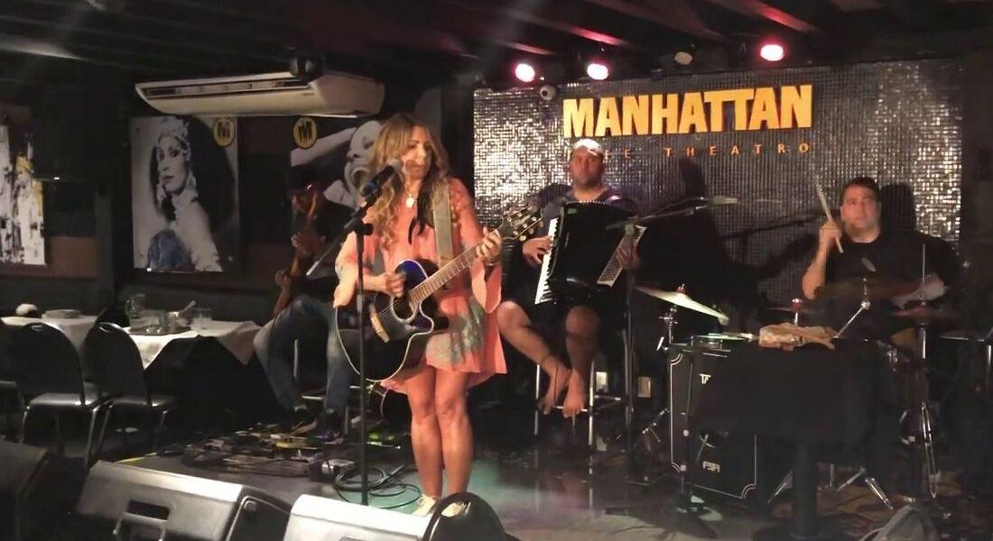 Cantora Elba Ramalho em ensaio para show no Manhattan