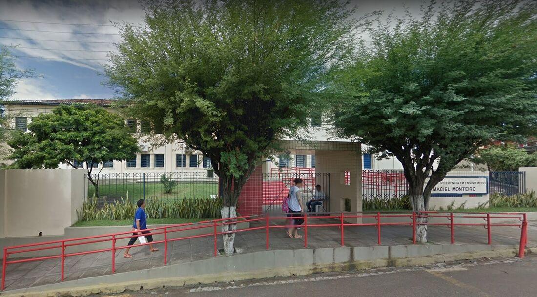 Escola de Referência em Ensino Médio Maciel Monteiro