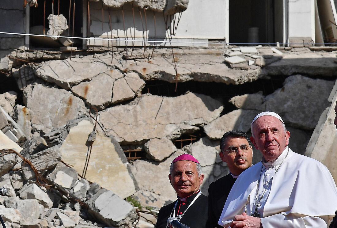 Papa Francisco visitou região devastada pelo Estado Islâmico