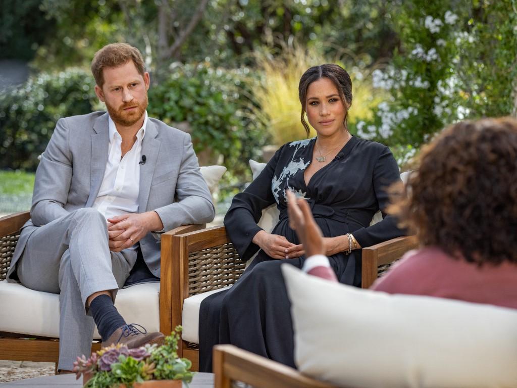 Harry e Meghan em entrevista com Oprah.