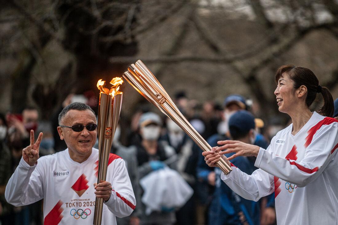 Revezamento da tocha olímpica, no Japão