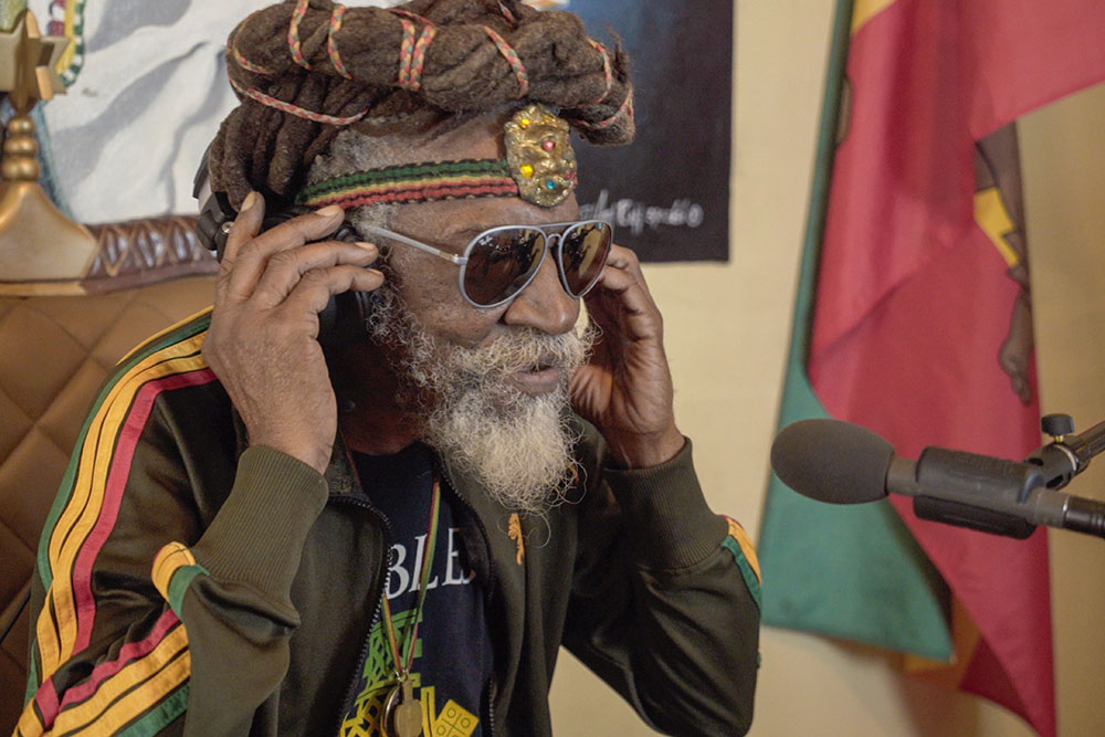 Junto com Bob Marley e Peter Tosh, Bunny Wailer fundou a The Wailers