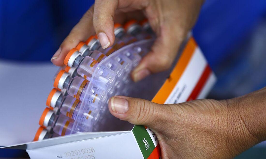 Dimas Covas, diretor do Instituto Butantan, disse que a quebra de patentes não ajudaria o país