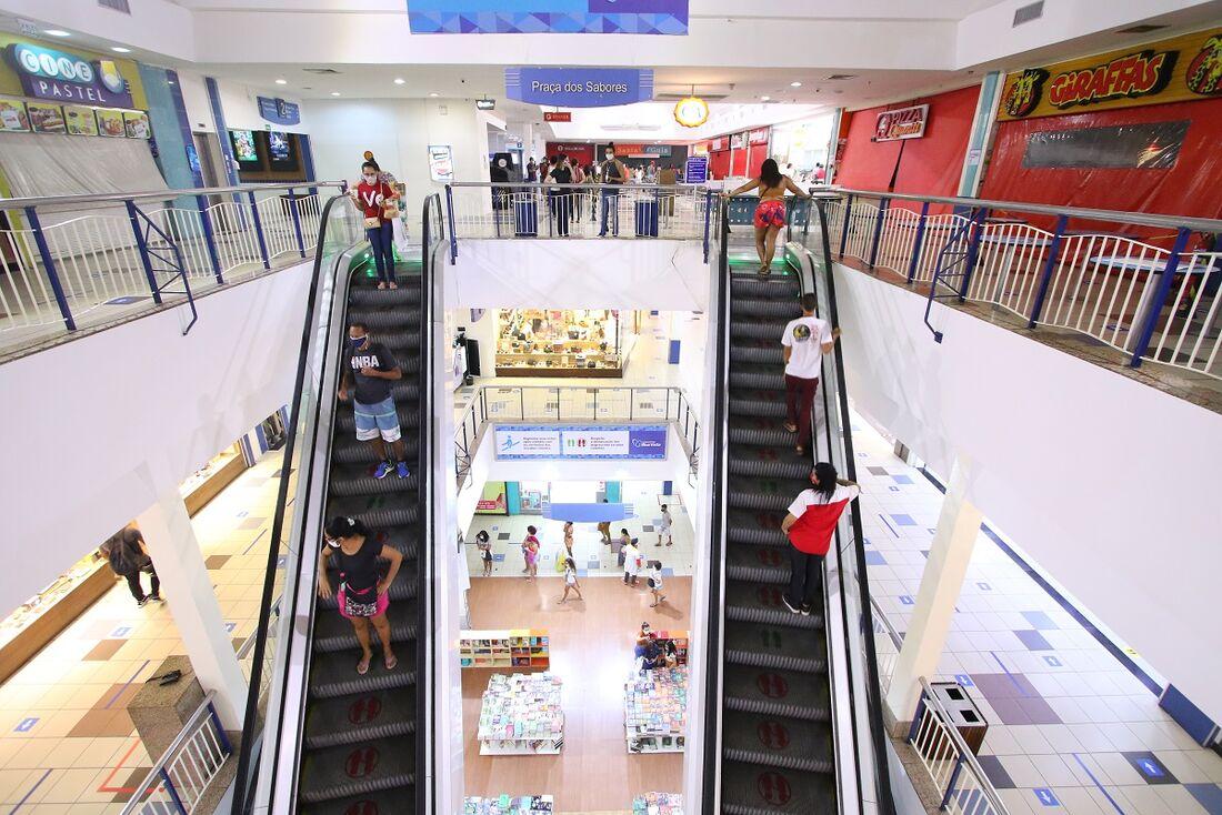 Shoppings não podem funcionar aos sábados e domingos em Pernambuco, até 17 de março