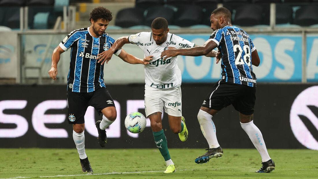 Palmeiras e Grêmio fazem a partida decisiva da Copa do Brasil neste domingo (7)