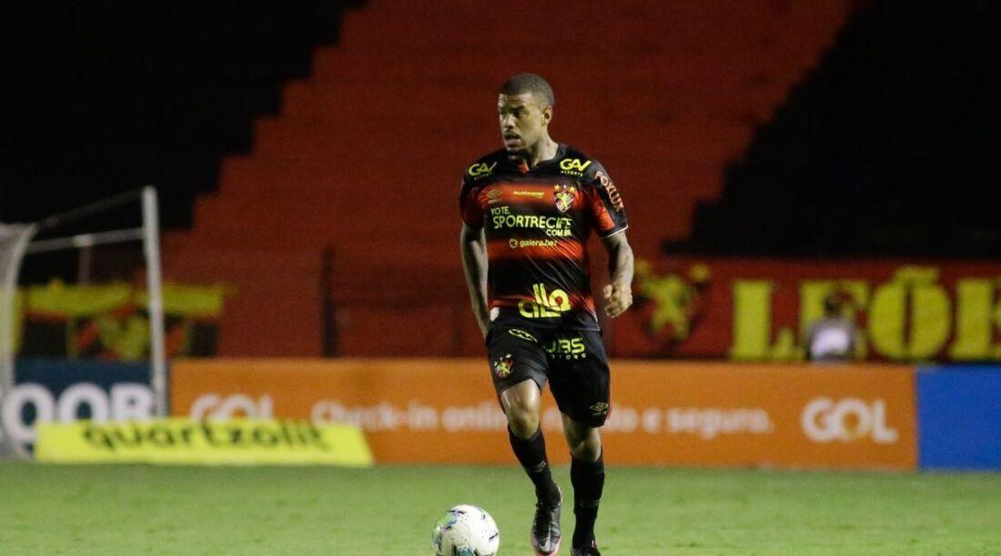 Atleta foi titular do Leão no último Campeonato Brasileiro