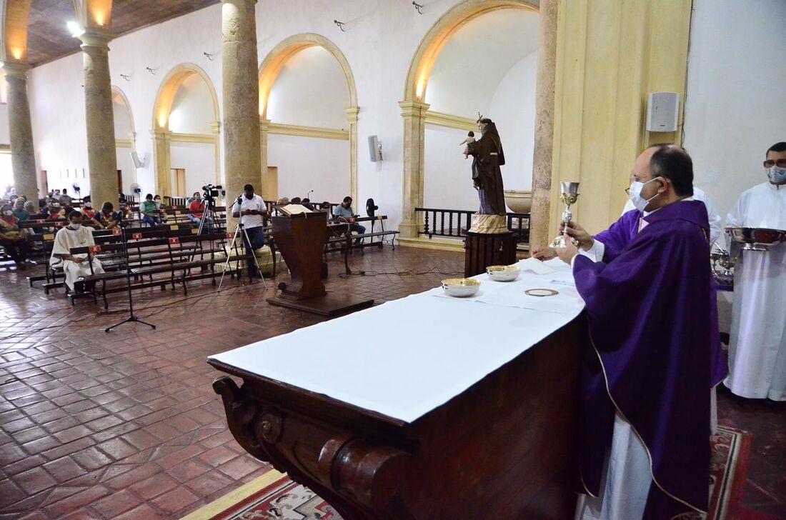 Celebração da Missa de Cinzas na Catedral da Sé