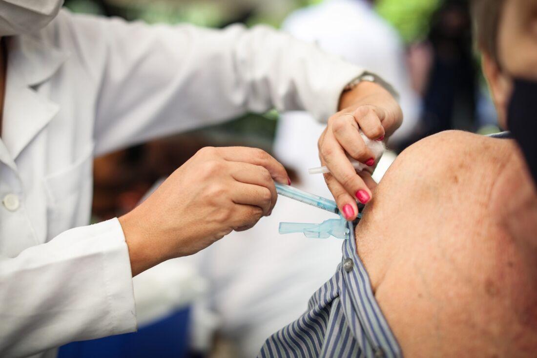 Vacinação contra Covid-19 no Recife